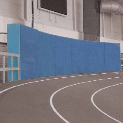 Protection walls for sprint tracks